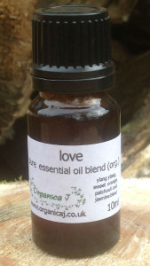 Love Organic Essential Oil Blend